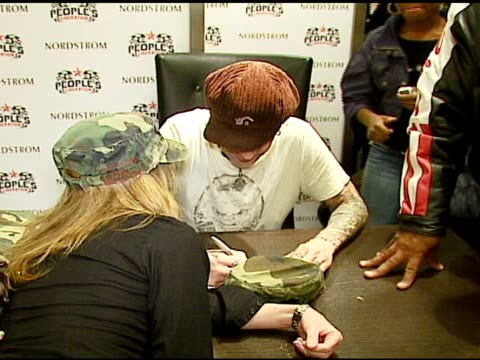 stockvideo's en b-roll-footage met tommy lee at the appearance of tommy lee to promote brand extension 'pl for tl' at nordstrom south coast plaza in costa mesa california on december... - nordstrom