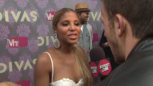 stockvideo's en b-roll-footage met toni braxton at the 2009 vh1 divas red carpet at new york ny - vh1