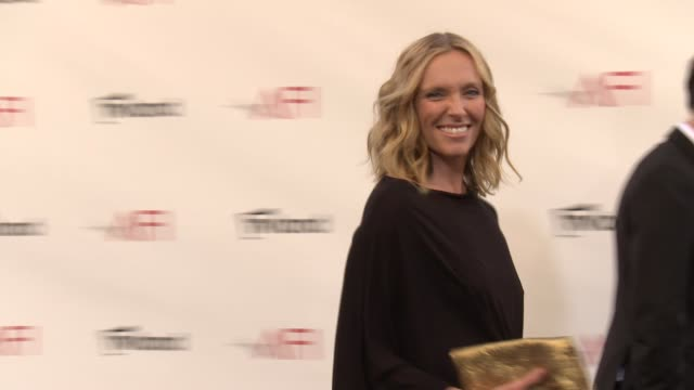 toni collette at shirley maclaine honored with the 40th afi life achievement award toni collette at shirley maclaine honored with the on june 07 2012... - afi life achievement award bildbanksvideor och videomaterial från bakom kulisserna
