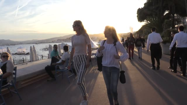 Toni Garrn on the croisette during the 2017 Cannes film festival Cannes France 22nd May 2017