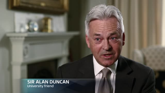the leader interviews theresa may excerpt 'itv tonight the leader interviews theresa may' england london alan duncan mp interview sot oxfordshire... - oxfordshire video stock e b–roll