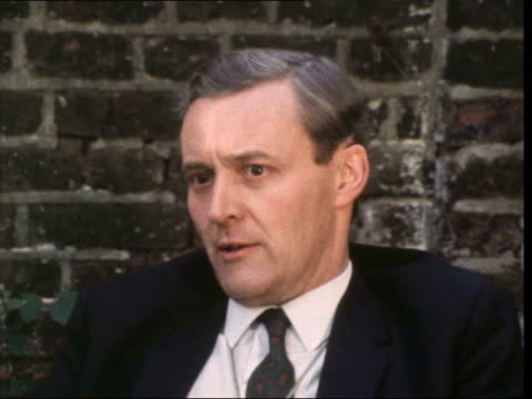 """tony benn interview; england: london: 12 holland park avenue: ext anthony wedgwood-benn interview sof - """"oh, certainly ... been talking about""""... - トニー ベン点の映像素材/bロール"""