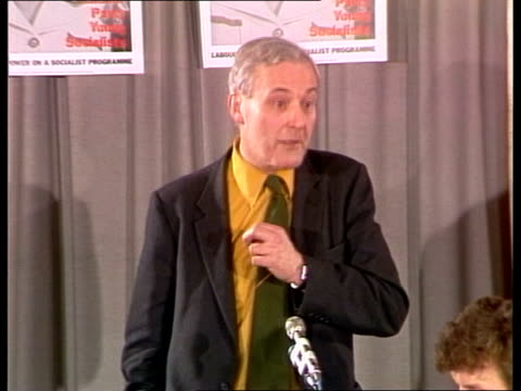 """tony benn says labour party will not split; england: london: int tony benn speech at meeting sot - """"we've lost 59 labour mps bv audience -- got... - トニー ベン点の映像素材/bロール"""