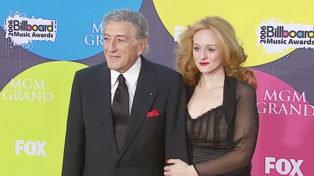 tony bennett and antonia bennett at the 2006 billboard music awards at the mgm grand hotel in las vegas nevada on december 4 2006 - mgm grand las vegas stock videos & royalty-free footage