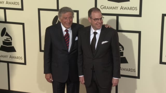 stockvideo's en b-roll-footage met tony bennett at the 58th annual grammy awards® arrivals at staples center on february 15 2016 in los angeles california - 58e grammy awards