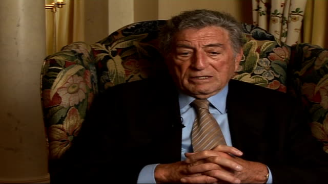 vídeos de stock, filmes e b-roll de tony bennett celebrates 80th birthday tony bennett interview sot i respected the dixie chicks that's why i requested they be on record / in my... - tony bennett