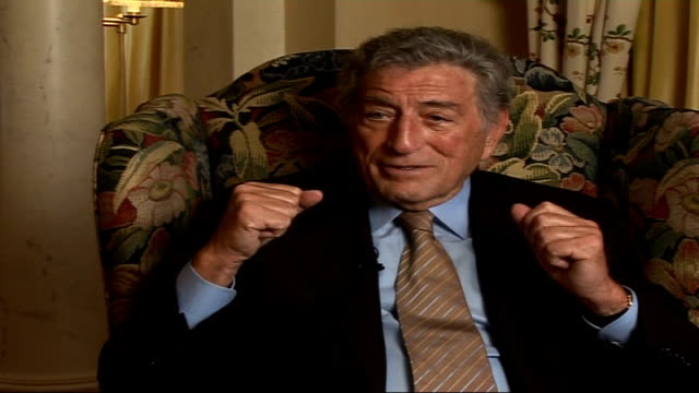 vídeos de stock, filmes e b-roll de tony bennett celebrates 80th birthday tony bennett interview sot talks aabout advice sinatra gave him about nerves on stage and only singing quality... - tony bennett