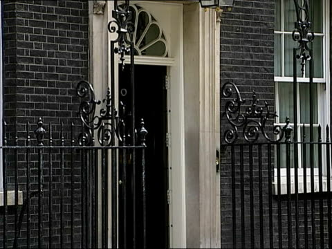 Cabinet arrivals / departures Cabinet ministers departing 10 Downing Street following weekly meeting Peter Hain MP / Margaret Beckett MP and Alan...