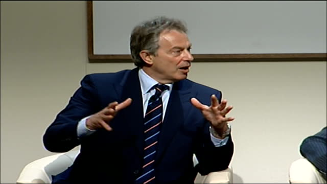tony blair answers questions at launch of company initiative to reduce co2 emissions england london int tony blair mp anna ford david miliband mp... - verringerung stock-videos und b-roll-filmmaterial