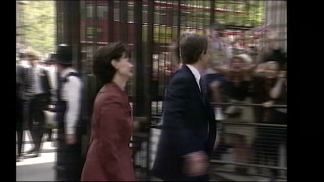 tony blair arriving at downing street with wife cherie blair following labour victory in 1997 general election - british labour party stock videos & royalty-free footage