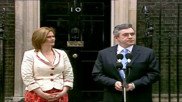 tony blair handover of power to gordon brown downing street gordon and sarah brown along downing street and up to press mics gordon brown mp speaking... - new chance stock videos & royalty-free footage