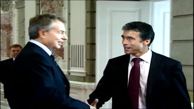 Tony Blair meeting with Danish counterpart DENMARK Copenhagen PHOTOGRAPHY *** Tony Blair MP towards up corridor with Anders Fogh Rasmussen as shake...