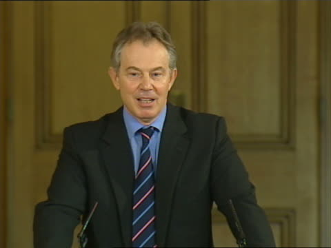 tony blair monthly press conference discussing low-income families; tony blair mp press conference sot - not unless i have a very low depression... - gloria de piero stock videos & royalty-free footage