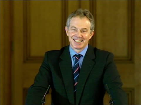 tony blair monthly press conference discussing low-income families; tony blair mp press conference sot - ) there is no doubt, well of course all the... - no doubt stock-videos und b-roll-filmmaterial