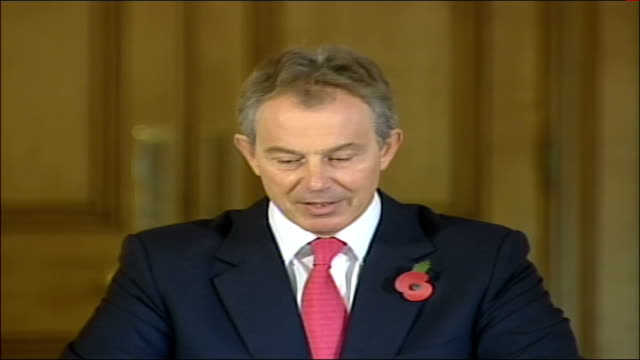 vídeos y material grabado en eventos de stock de tony blair monthly press conference so for all of these issues you can think of some of the things that will be made a lot easier with secure... - eco tourism