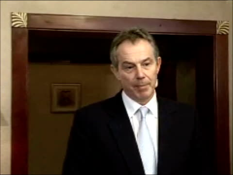 Tony Blair press conference in Dubai UNITED ARAB EMIRATES Dubai INT Prime Minister Tony Blair MP towards into room Tony Blair press conference SOT...
