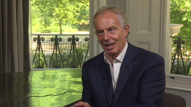 tony blair saying the 2008 financial crisis and its effect on working people has led to an increase in populist politics on the left and right around... - rezession stock-videos und b-roll-filmmaterial