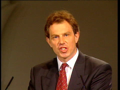 stockvideo's en b-roll-footage met tony blair speaks at leadership election conference about his mission as new leader of labour party london 1994 - labor partij