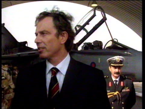 vídeos y material grabado en eventos de stock de tony blair talks about need for saddam hussein to realise he cannot threaten his neighbouring countries or british allies kuwait 09 jan 99 - primer ministro británico