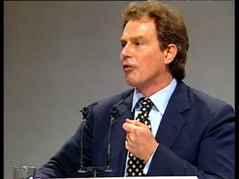 vídeos de stock e filmes b-roll de tony blair tells labour party conference that labour party not conservative party is party of small business in uk blackpool; 01 oct 96 - partido conservador britânico