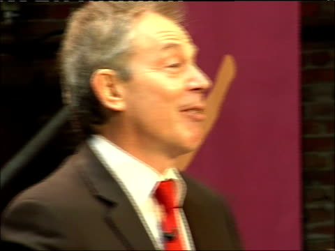 tony blair visit to museum of science and industry/ extract from speech ' our nation's future'; * * beware flash photography * * blair along to... - 50 seconds or greater stock-videos und b-roll-filmmaterial
