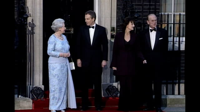 Tony Blair's memoirs published reaction LIB Downing Street PHOTOGRAPHY** Queen Elizabeth II Tony Blair Cherie Blair and Prince Philip posing for...