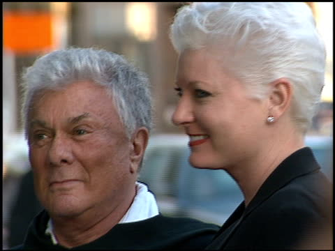 tony curtis at the billy wilder memorial tribute at ampas in beverly hills california on may 1 2002 - 映画芸術科学協会点の映像素材/bロール