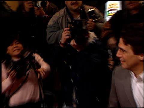 vídeos y material grabado en eventos de stock de tony danza at the 'at first sight' premiere at the bruin theatre in westwood california on january 12 1999 - tony danza