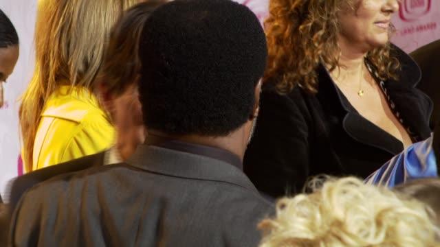 vídeos y material grabado en eventos de stock de tony danza at the tv land awards at barker hanger in santa monica california on april 14 2007 - tony danza