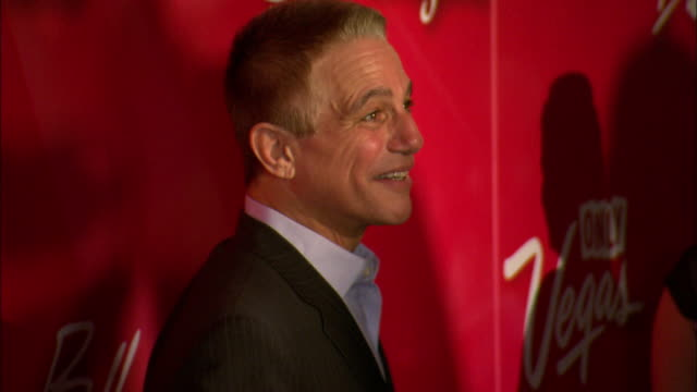 mcu tony danza posing for paparazzi on the red carpet at the mgm grand garden arena - tony danza video stock e b–roll