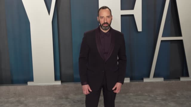 tony hale at vanity fair oscar party at wallis annenberg center for the performing arts on february 09 2020 in beverly hills california - vanity fair oscarparty stock-videos und b-roll-filmmaterial