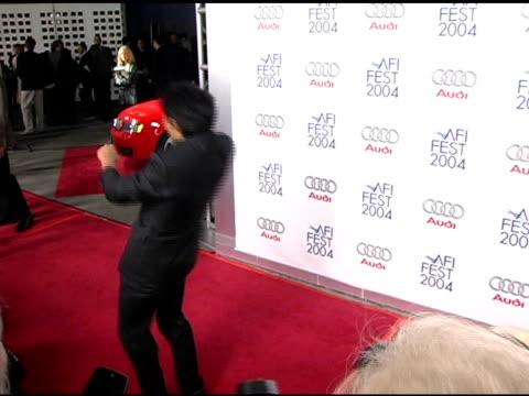 vídeos y material grabado en eventos de stock de tony jaa does two flips at the 'beyond the sea' los angeles premiere at the cinerama dome at arclight cinemas in hollywood, california on november 4,... - arclight cinemas hollywood