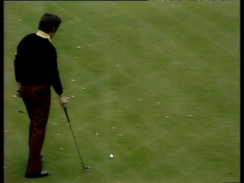 tony jacklin putt stays just high of hole at 18th to give lee trevino victory by one hole world matchplay championship semi final wentworth 1972 - pga world golf championship stock videos & royalty-free footage