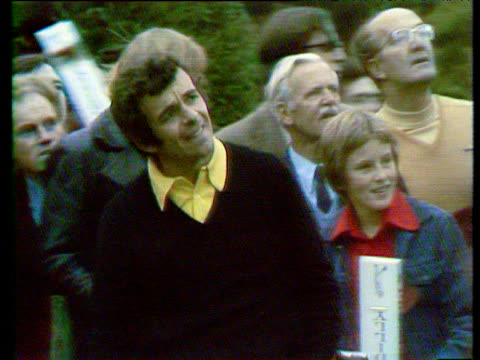 tony jacklin takes a driver at 18th tee world matchplay championship semi final wentworth 1972 - golf swing stock videos & royalty-free footage