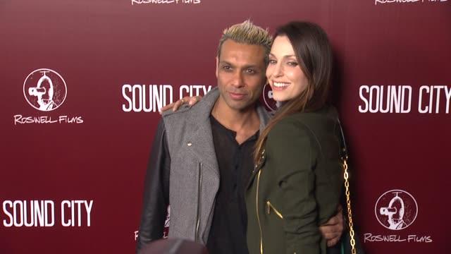 vidéos et rushes de tony kanal at sound city los angeles premiere on 1/31/13 in los angeles, ca . - tony kanal