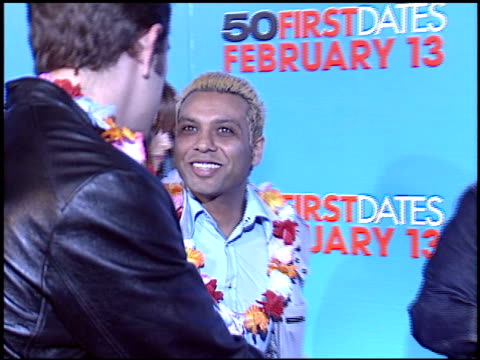 vidéos et rushes de tony kanal at the '50 first dates' premiere on february 3, 2004. - tony kanal