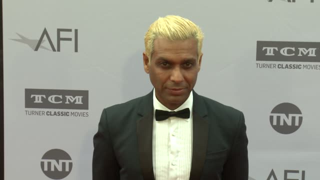 vidéos et rushes de tony kanal at the afi life achievement awards: a tribute to john williams at dolby theatre on june 09, 2016 in hollywood, california. - tony kanal
