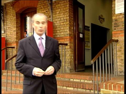 vídeos y material grabado en eventos de stock de possible link to milly dowler murder; walton-on-thames station: i/c - eslabón