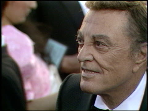 vidéos et rushes de tony martin at the 1989 academy awards at the shrine auditorium in los angeles, california on march 29, 1989. - 61e cérémonie des oscars