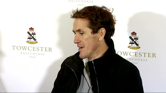 tony mccoy becomes first jump jockey to ride 4,000 winners; tony mccoy press conference sot - re his autobiography and his new novel ext reporter to... - biografia video stock e b–roll