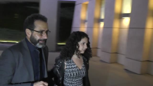 vidéos et rushes de tony shalhoub signs for fans outside arclight cinemas in hollywood in celebrity sightings in los angeles, - arclight cinemas hollywood