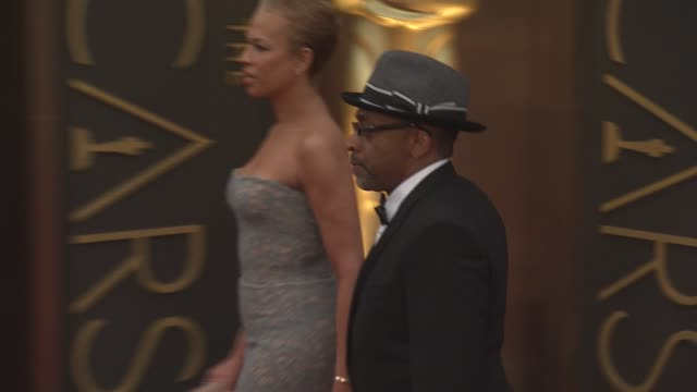 tonya lewis lee and spike lee - 86th annual academy awards - arrivals at hollywood & highland center on march 02, 2014 in hollywood, california. - hollywood and highland center stock videos & royalty-free footage