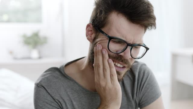 vidéos et rushes de rage de dents - douleur