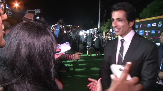 top bollywood celebrities saif ali khan and ranveer singh walk the indian film awards green carpet in tampa alongside veteran us actors kevin spacey... - bollywood stock videos and b-roll footage