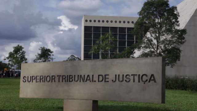 A top Brazilian court Tuesday rejected a bid by former president Luiz Inacio Lula da Silva to stave off prison ruling he can be arrested if his 12...