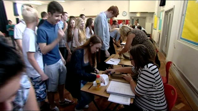 gcse top grades fall for a second year in a row students queuing to collect their gcse results glenys stacey interview sot - general certificate of secondary education stock videos & royalty-free footage