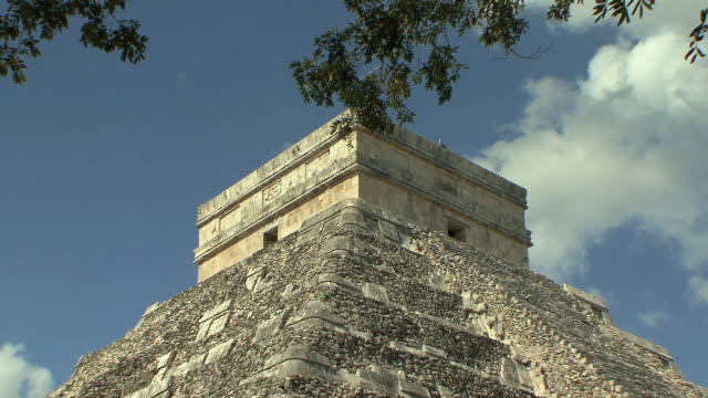 MS Top of El Castillo, Mesoamerican step-pyramid served as temple to god Kukulkan at pre-Columbian archaeological site built by Maya civilization / Chichen Itza, Yucatan, Mexico