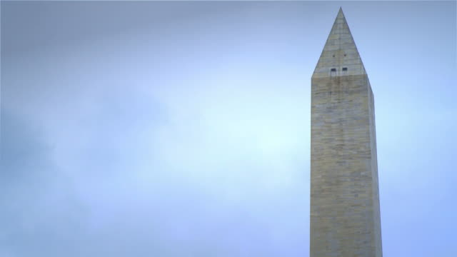 top of the washington monument - hd timelapse - washingtonmonumentet dc bildbanksvideor och videomaterial från bakom kulisserna