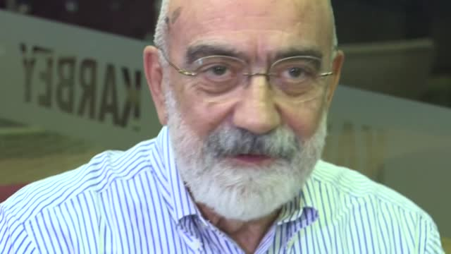 TUR: FILE: Turkish court orders release of jailed journalist Altan