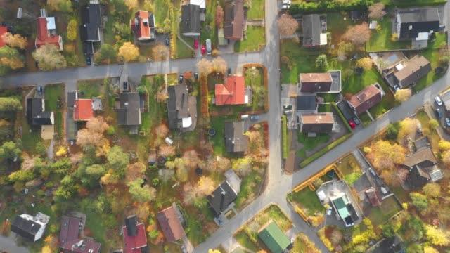 vy över sollentuna vackra sena höstdagen, sedd från drone. lätt snöfall - stockholm bildbanksvideor och videomaterial från bakom kulisserna